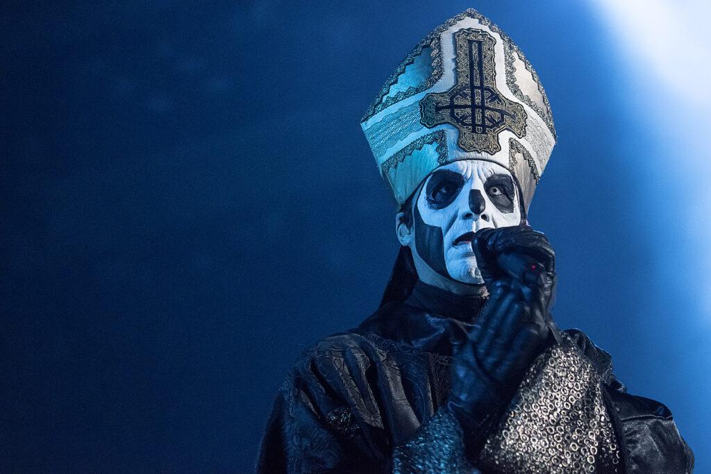 Tobias Forge: Thế lực bóng tối của nhạc heavy metal
